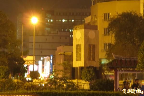 台南湯德章紀念公園未拆除前的孫文銅像基座。(記者蔡文居攝)