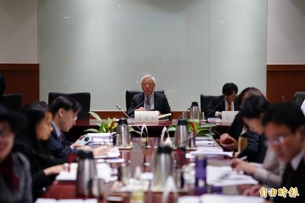 司改國是會議第3組分組討論,由前澄社社長、中研院兼任研究員瞿海源擔任召集人。(記者黃欣柏攝)