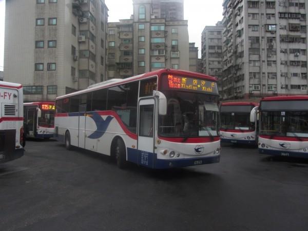 新店至汐止跳蛙公車,較現行路線節省約20至30分鐘。(圖由新北市交通局提供)