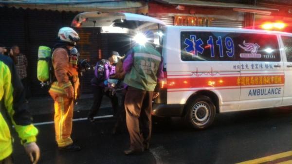 龍潭一家長期照顧中心清晨發生火警。(記者李容萍翻攝)