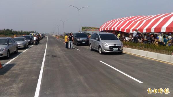台江大道今天舉行通車典禮後全線通車。(記者蔡文居攝)