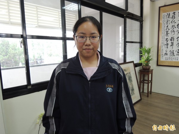 虎高黃鄭孟慈錄取台大醫學系公費生,希望學有所成回部落服務。(記者廖淑玲攝)