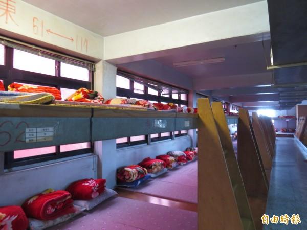 西螺福興宮提供香燈腳舒適的休息場所。(記者廖淑玲攝)