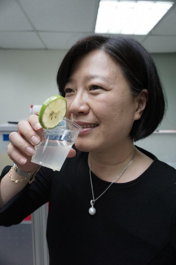 喝檸檬汁無改變體質酸鹼性;圖為情境照,圖中人物非本文當事人。(記者蔡淑媛攝)