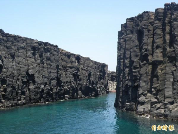 澎湖南方四島列入南海玄武岩自然保留區,依法不得擅闖。(記者劉禹慶攝)