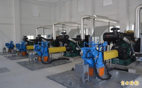 霧峰車籠埤抽水站已經完工,4部機組同步啟動,相當27台大型抽水機的抽水量。(記者陳建志攝)