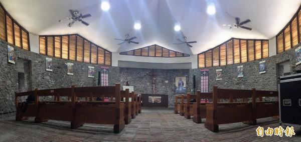 小而精巧的教堂面積僅有227平方公尺。(記者邱芷柔攝)