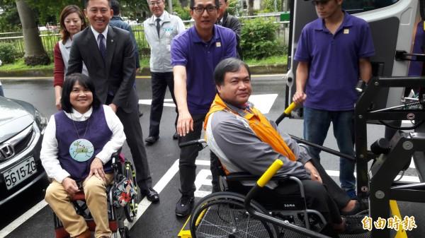 新竹市推出無障礙微旅行,將提供三條路線,帶身障朋友及家人走出家門,看看城市的美好,體驗精彩人生。(記者洪美秀攝)