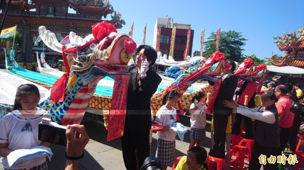 2017年台南市國際龍舟錦標賽舉行點睛儀式。(記者劉婉君攝)