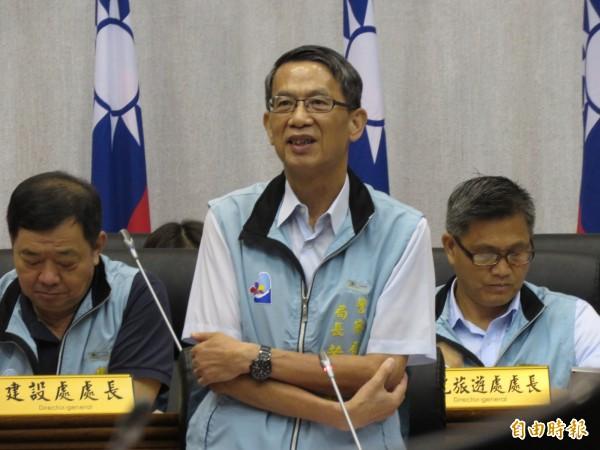 台東縣警局局長黃慶惠今天在縣議會答詢時,表示將讓東海岸派出所露營區自然淘汱。(記者黃明堂攝)