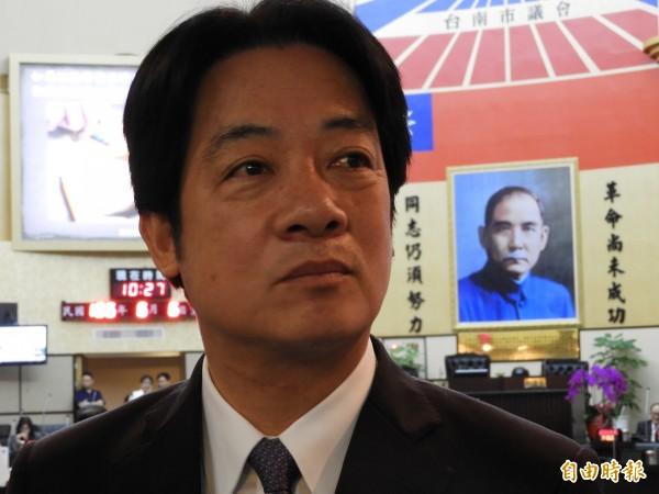 台南市長賴清德今日受訪表示,「親中愛台」本意是反對中國不合理封殺台灣生存空間。(記者洪瑞琴攝)