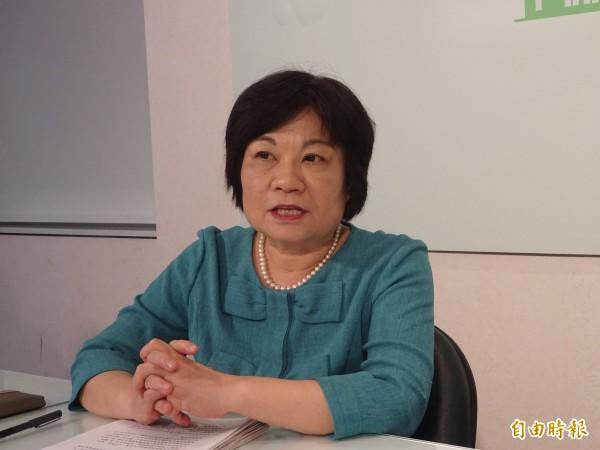 行政院秘書長陳美伶召開同性婚姻法制研議專案小組會議,會後說明會議結論。 (記者李欣芳攝)
