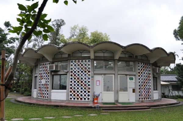 愛德幼兒園建於一九六三年,因圓形教室工藝細緻,且保有六〇年代現代主義風格,也獲得歷史建築身分。(文化局提供)