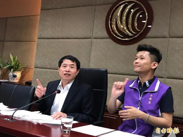 通傳會發言人翁柏宗表示,已經審議通過講客廣播電台執照申請案,該台預計6月23日正式開播。(記者陳炳宏攝)