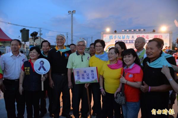 為愛走一哩路,雲林縣政府舉辦紫絲帶反家暴遊行。(記者廖淑玲攝)
