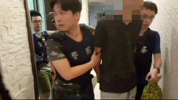 警方在旅館逮捕林男(記者余衡翻攝)