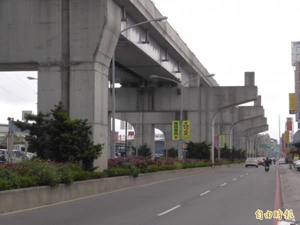 機場捷運線A5a站預定站址位在新北大道五段287巷口附近,機場捷運線施工時已預留站體空間。 (記者李雅雯攝)