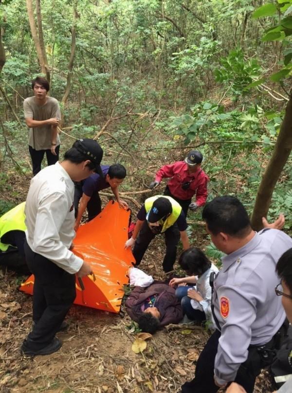 1名老婦前年在八卦山區失蹤多日後幸運獲救,當時她曾說失蹤期間有「人」陪伴,傳出是「魔神仔」所為。(記者湯世名翻攝)
