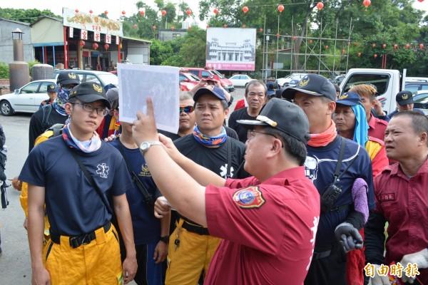 八卦山2年來傳出4起登山失蹤案,消防人員均出動大批人員搜山。(記者湯世名攝)