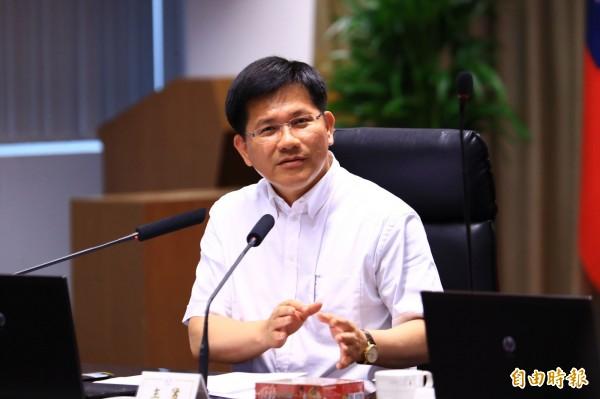 台中躍升第2大城,市長林佳龍希望地方政府承擔更多責任為民服務。(記者黃鐘山攝)