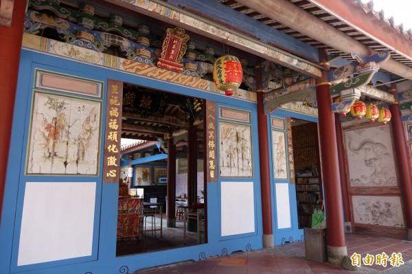 「鹿港普度歌」第一句就是「初一放水燈」,就是指鹿港地藏王廟早年都是在農曆七月一日放水燈的習俗,如今「「放水燈」也改期了。(記者劉曉欣攝)