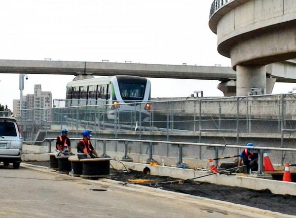 台中捷運綠線電聯車今天首次上主線測試。(圖由台中市政府提供)