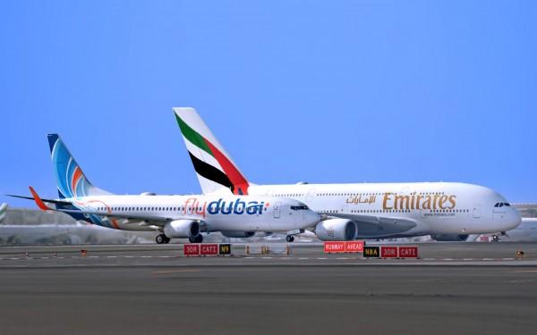 阿聯酋航空A380客機與杜拜航空B737客機。(阿聯酋提供)