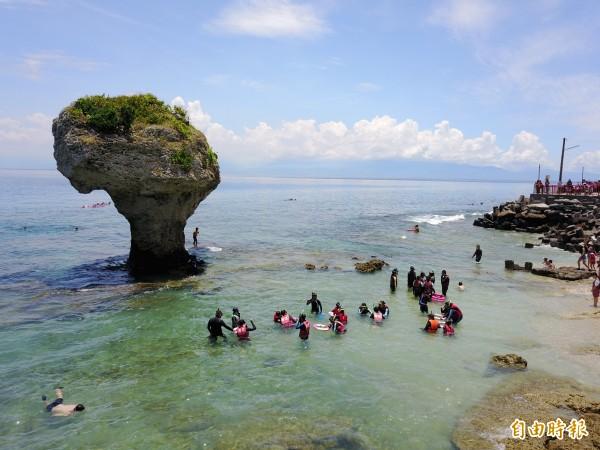 小琉球鄉長林愛玲強調「捍衛珍貴生態環境,是小琉球觀光不敗的主因。」(記者蔡宗憲攝)
