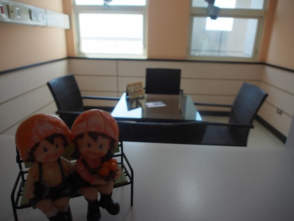 家族會議室布置的溫馨。(記者王秀亭攝)