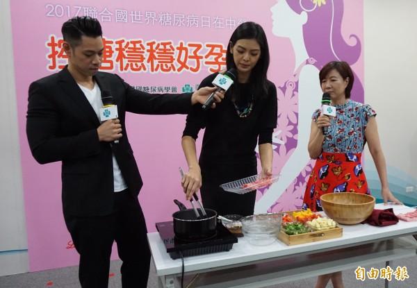 名模林嘉綺懷孕時五色蔬菜和牛肉作成溫沙拉,成功控制血糖。(記者蔡淑媛攝)