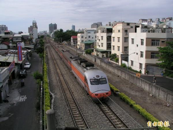南市府爭取讓南鐵地下化與永康地下化工程能夠無縫接軌。(記者蔡文居攝)