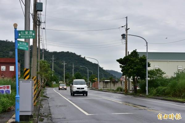 海山西路經兩年土地徵收、都市計畫變更等程序,近期即將施工拓寬,完工後將大幅緩解下蘇澳交流道以後車流。(記者張議晨攝)