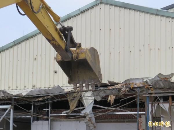 防範違建釀成火災,台南市政府將鐵腕拆除寄宿舍違建。(記者劉婉君攝)