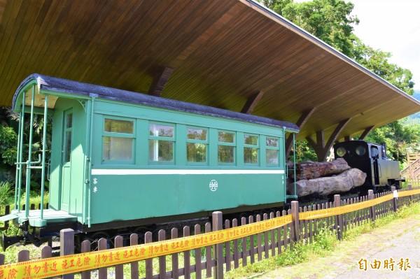 羅東林鐵客車車廂。(記者張議晨攝)