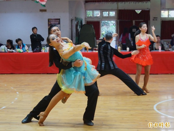 舞蹈的律動,充滿活力。(記者詹士弘攝)