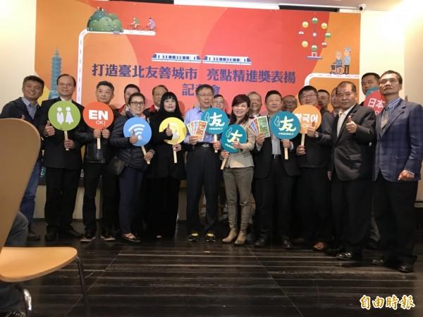 台北市長柯文哲下午出席商業處活動後接受媒體聯訪。(記者沈佩瑤攝)
