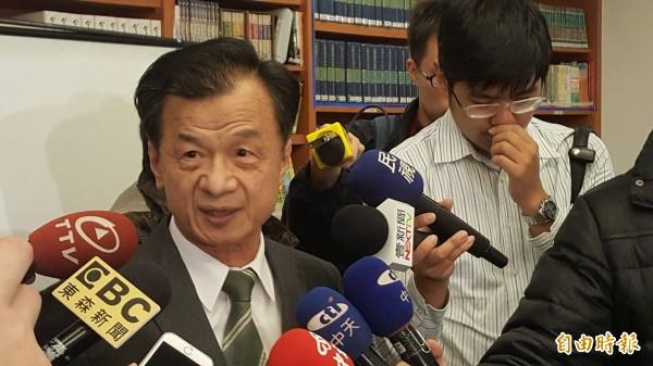 法務部長邱太三力挺檢調對王炳忠搜索作為。(記者溫于德攝)