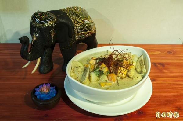 「梵泰蔬食」無蛋、無五辛,卻能做出不像素食的咖哩,讓客人一再回流。(記者廖雪茹攝)