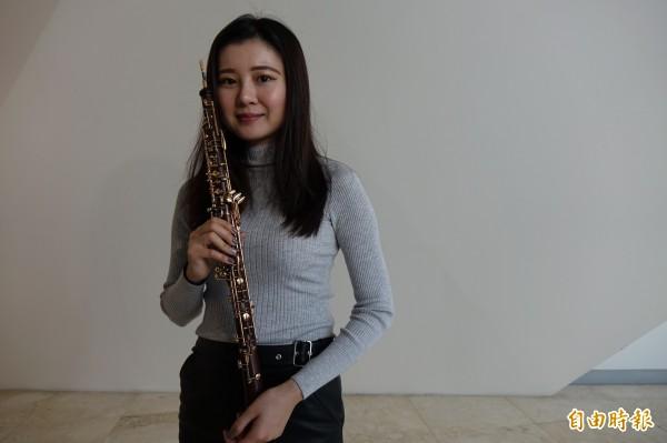 陳軒毓為了吹出雙簧管的美麗樂音,吹到嘴破血流還是照要吹。(記者劉曉欣攝)