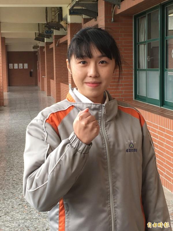 即將進入台大社工系就讀的謝緗亭想當社工,服務更多的家庭。(記者顏宏駿攝)