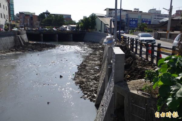 雲林溪掀蓋工程廣設截流站,加強水質淨化。(記者林國賢攝)