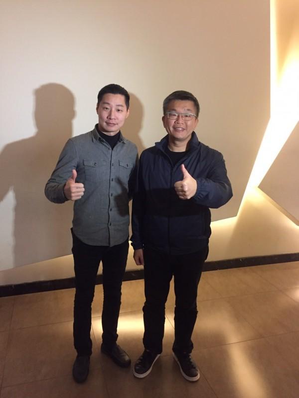 蔡其昌與電影演員之一的時代力量立委林昶佐。(記者許國楨翻攝)
