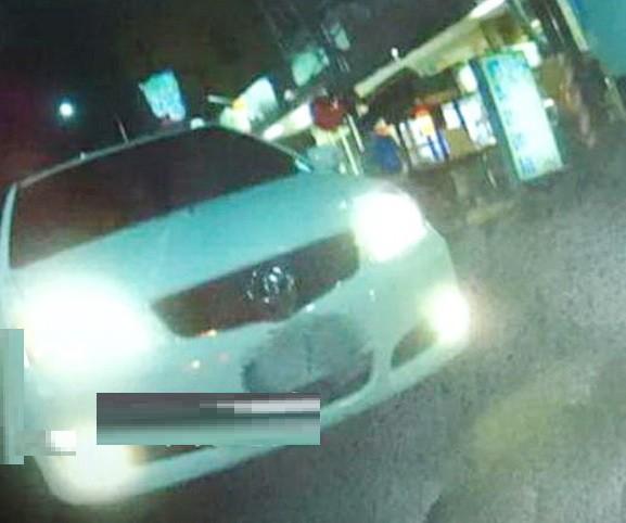被檢舉達人檢舉未依規定開霧燈的駕駛人怒PO罰單,連網友都為他叫屈。(記者廖淑玲翻攝)