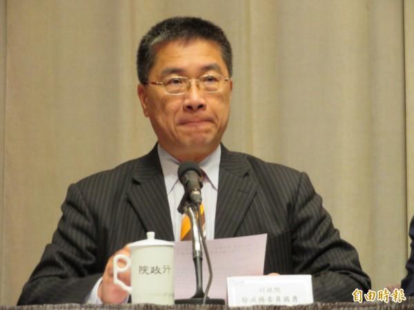 行政院發言人徐國勇說明政院拍板「衛生福利部組織法修正草案」。(記者李欣芳攝)