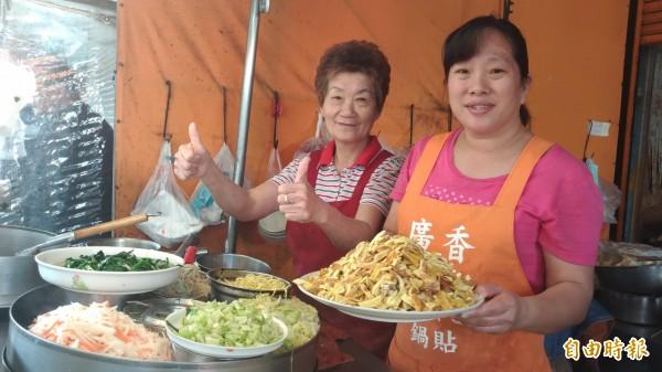 婆婆張梅香常誇讚薛藝雯是「好媳婦」,婆媳和樂贏得鄰里稱許。(記者廖淑玲攝)