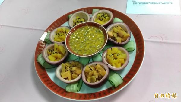 用南瓜、地瓜膾煮的「時光寶盒」。(記者廖淑玲攝)
