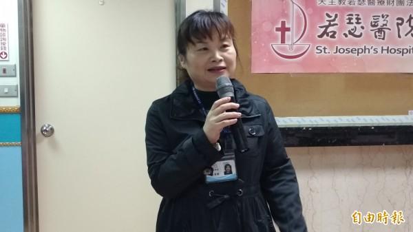 虎尾若瑟醫院行政副院長林素鉁提醒大家年節要吃健康。(記者廖淑玲攝)
