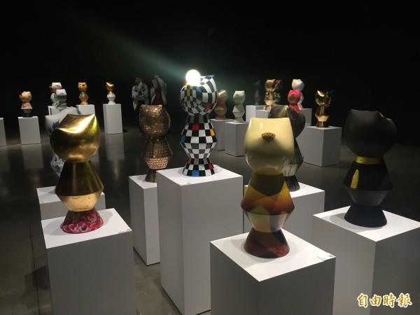 千隻感動狗齊聚台東美術館。(記者張存薇攝)