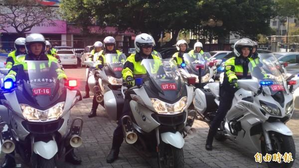 台中市交大成立「大重機交通疏處部隊」。(記者許國楨攝)