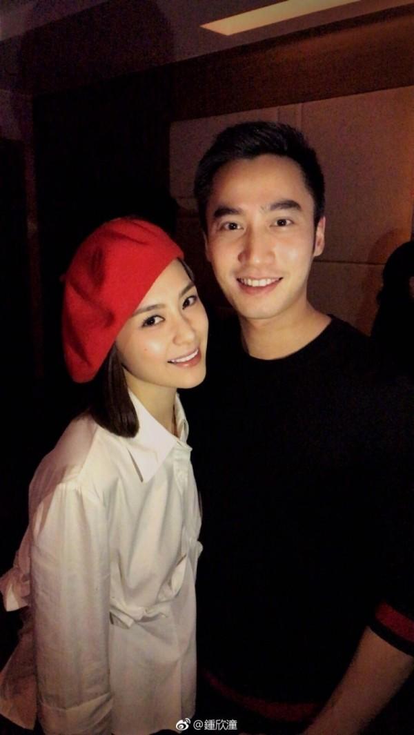阿嬌(左)閃婚「醫界王陽明」賴弘國。(翻攝自微博)